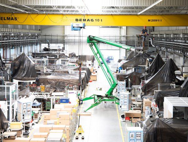 Ecomid oferă servicii complete de curățenie industrială